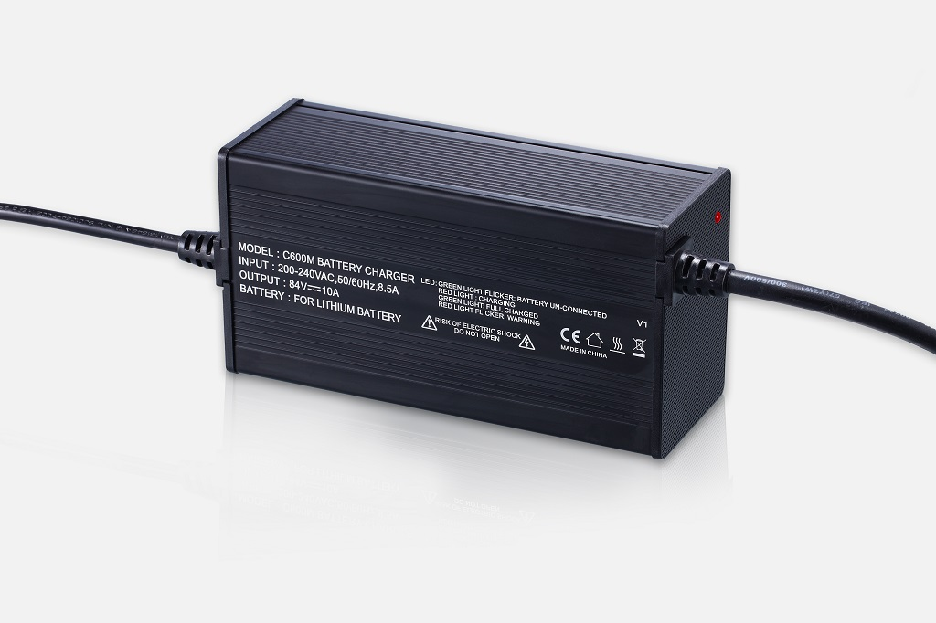 C600M_V1 840W Charger